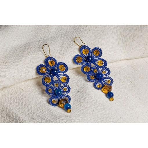 Orecchini margherite blu in merletto