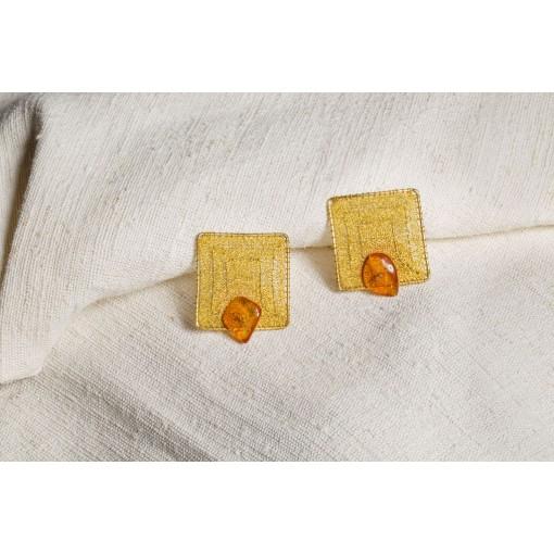 Orecchini longobardi in merletto con ambra