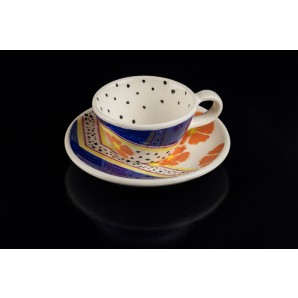 Tazzina a pois e motivi floreali in ceramica