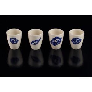 Bicchierini blu in ceramica