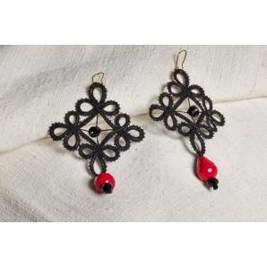 Orecchini fiore nero e rosso in merletto