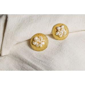 Orecchini in merletto con perle di fiume