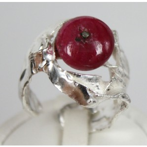 Ring in Silver and Red Corundum