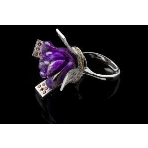 Ring Violet Queen with Sapphires
