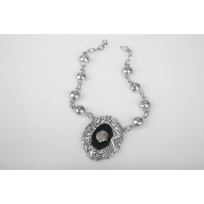 Abyss Necklace in opaque resin and pearls