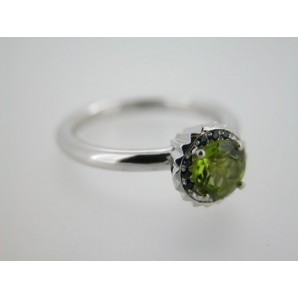 Small Round Cupcake Ring in White Gold, Peridot and Sapphires