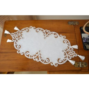 Oval doily with bobbin lace and tassels