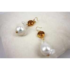 Earrings in Silver, Yellow Zircons and Pearls